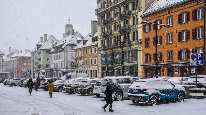 La place du Marché telle qu'on la verra bientôt au retour de la neige, deviendra peut-être piétonne.