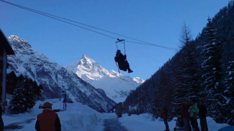 Descente en Tyrolienne