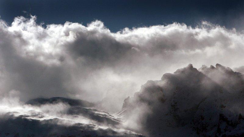 Météo: fortes chutes de neige au sud des Alpes et tempête de foehn sur le versant nord