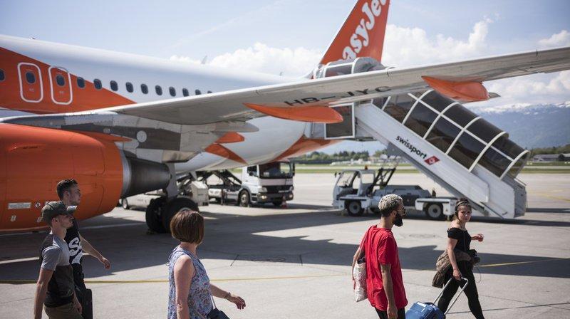 Easyjet a affirmé mardi qu'elle serait la première compagnie au monde à atteindre la neutralité carbone par compensation.