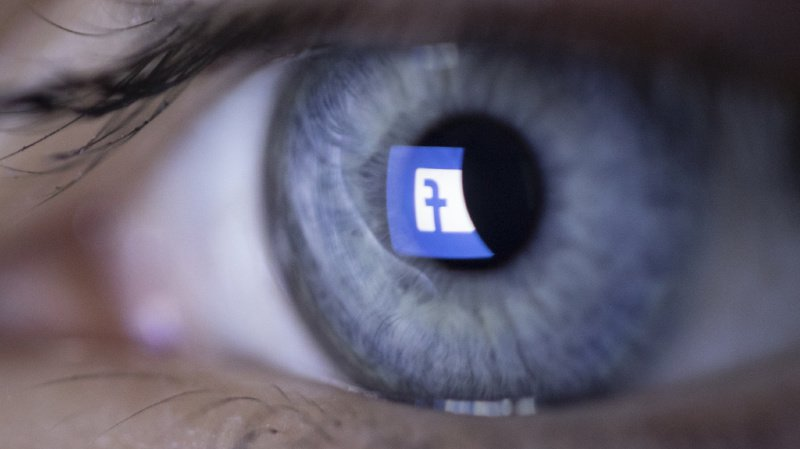 Présidentielle américaine: la désinformation empire sur Facebook