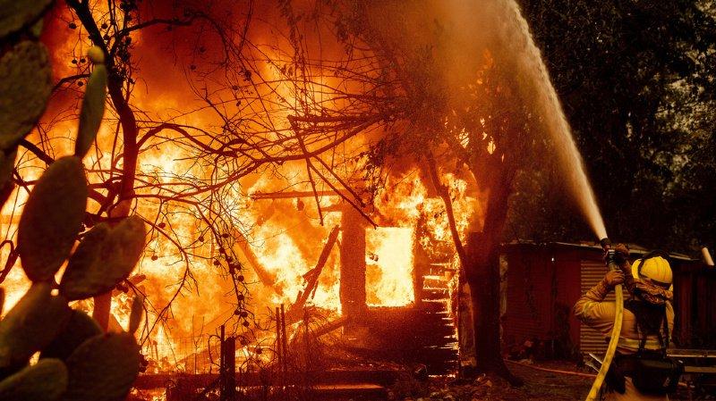 Violents incendies en Californie, des milliers d'évacuations