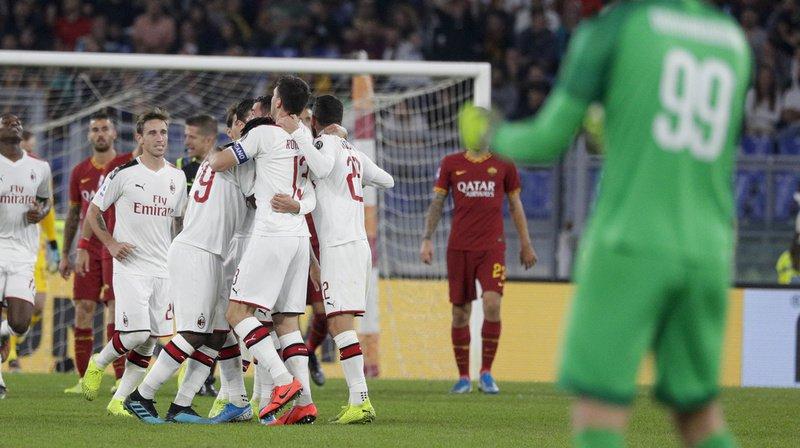 Depuis quelques années, l'AC Milan se traîne dans le ventre mou de la Serie A, le championnat italien. Des pertes d'argent record expliquent en partie la chute d'un des plus grand club d'Europe.