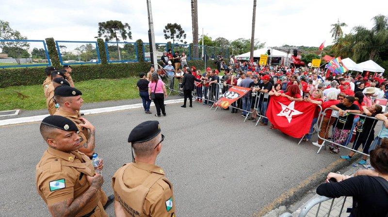 Le prisonnier le plus célèbre du Brésil va être libéré après un arrêt rendu la veille par la Cour suprême.