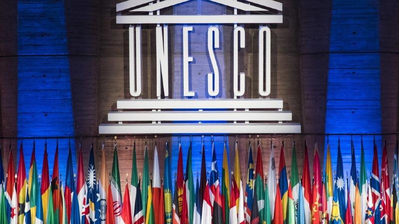 L'UNESCO s'occupe de la protection du patrimoine de l'humanité. De nombreux sites suisses, comme les terrasses de Lavaux, y sont inscrits.