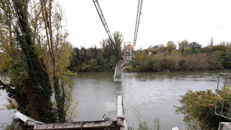 Pont effondré près de Toulouse: le poids du camion et de son chargement estimé à plus de 40 tonnes