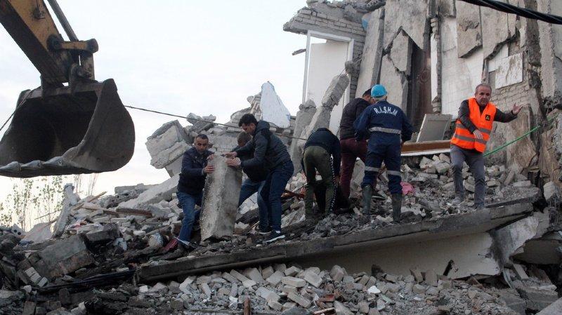 Séisme en Albanie: au moins 20 morts et des centaines de blessés
