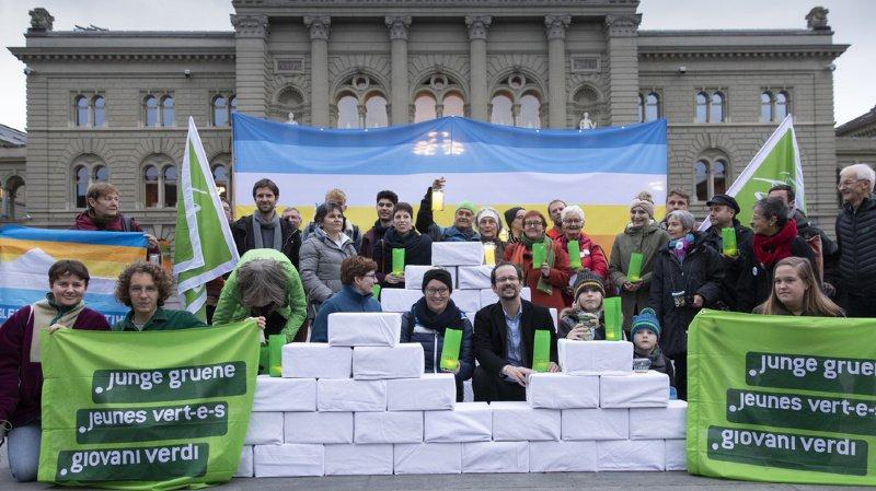 Climat: l'initiative pour les glaciers a été déposée avec plus de 112'000 signatures