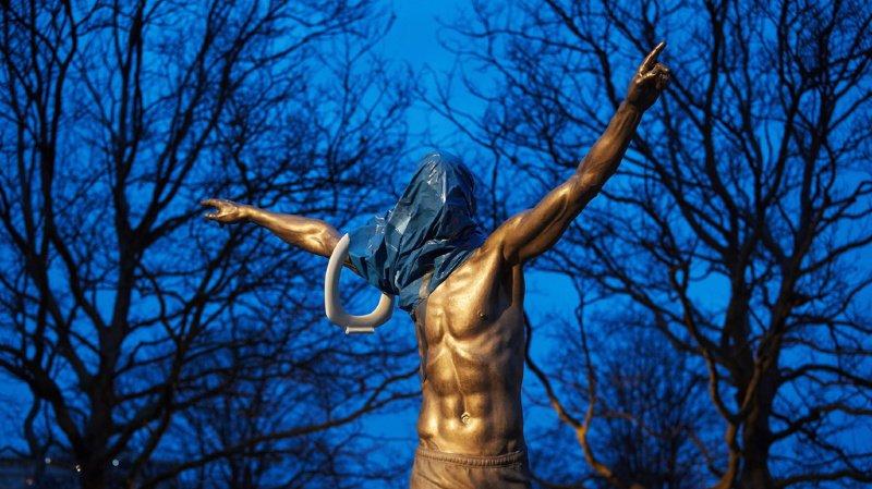 Inaugurée il y a seulement deux mois, la statue à l'effigie de Zlatan Ibrahimovic a été vandalisée par plusieurs personnes.