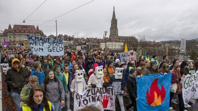 Grève mondiale pour le climat: les manifestants suisses ont milité contre le Black Friday