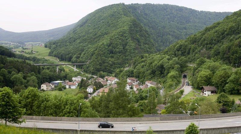 Les conducteurs devront passer par l'ancienne route qui contourne le tunnel.