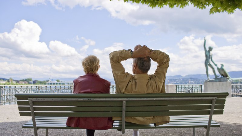 Retraites: près de 2 personnes actives sur 5 veulent travailler au-delà de 65 ans