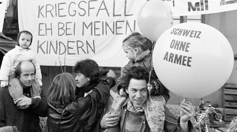 Initiative pour une Suisse sans armée: il y a 30 ans, la grande muette a senti le vent du boulet