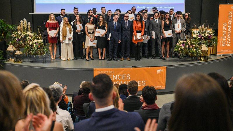 Université de Neuchâtel: la faculté des sciences économiques fait 148 heureux