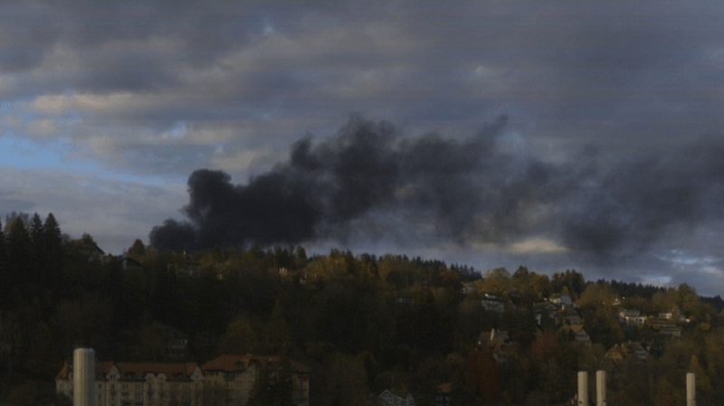 L'incendie s'est déclaré peu après 16h sur les hauteurs du Locle.