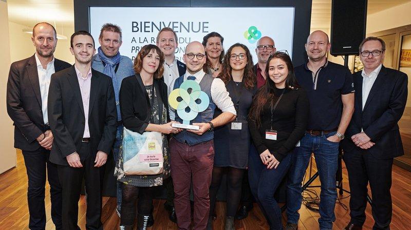 Nadja Birbaumer et Thierry Grünig (de l'association PurLac, associée au site En vert et contre tout) sont les lauréats du Prix environnement de Philip Morris.
