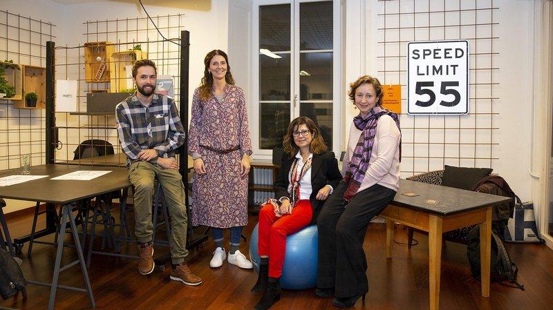 Les lauréats du premier programme Activation. De gauche à droite: Nicolas Oppliger (Yes We Farm), Mireille Haag (Educœur), Diana Luna et Sophie Moulin (Différentiel).