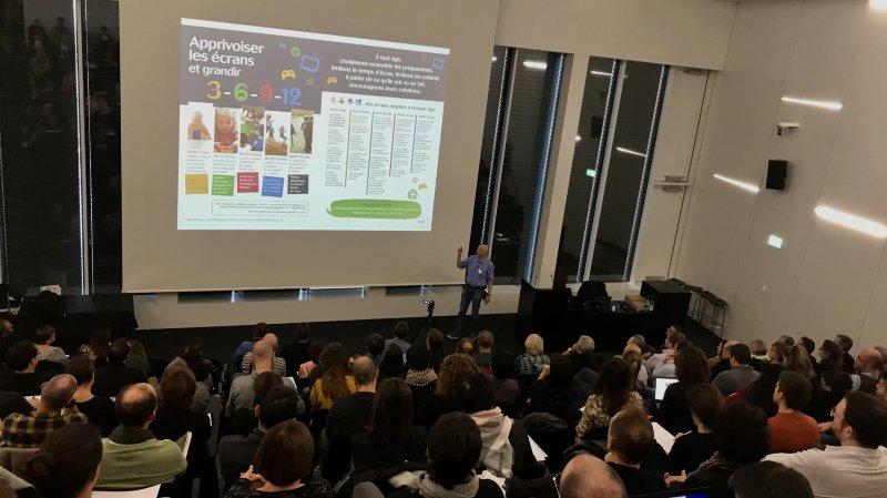 Neuchâtel: comment concilier école et outils numériques?