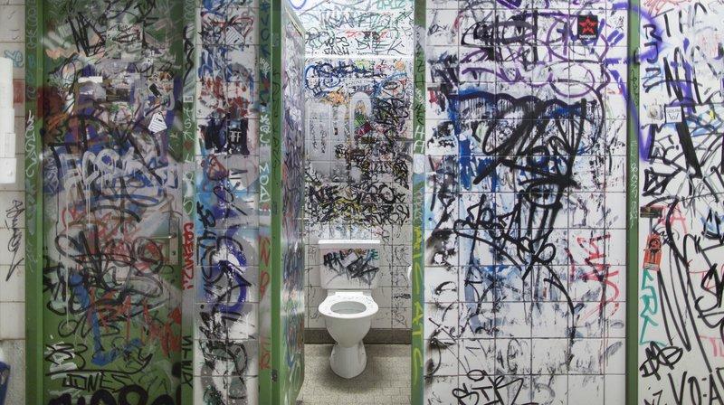 La Chaux-de-Fonds: jugée parce qu'elle aurait fait les poches d'un homme dans les toilettes d'un café