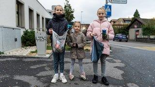 Le Landeron: Lou, Dina et Salomé veulent «sauver la planète» en ramassant des déchets
