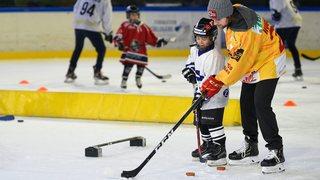 Anthony Huguenin inspire les jeunes hockeyeurs à Fleurier