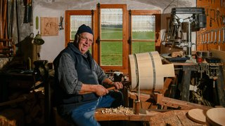 Les Bois: boisselier par amour pour son grand-père