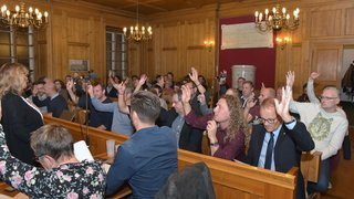Les Chaux-de-Fonniers continueront à élire directement leurs conseillers communaux