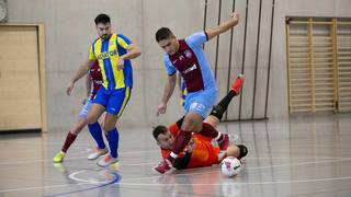 Football en salle: pas de pause pour une poignée de passionnés