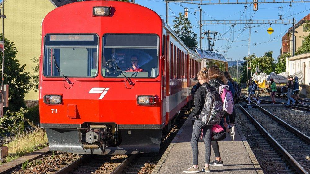 Avec leur partenaire les Transports publics fribourgeois, les Chemins de fer du Jura ont créé les Transports publics jurassiens.