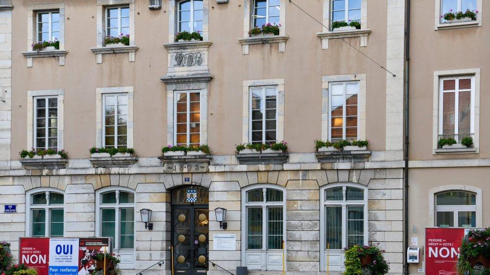 L'hôtel de ville de La Chaux-de-Fonds. Archives: Christian Galley