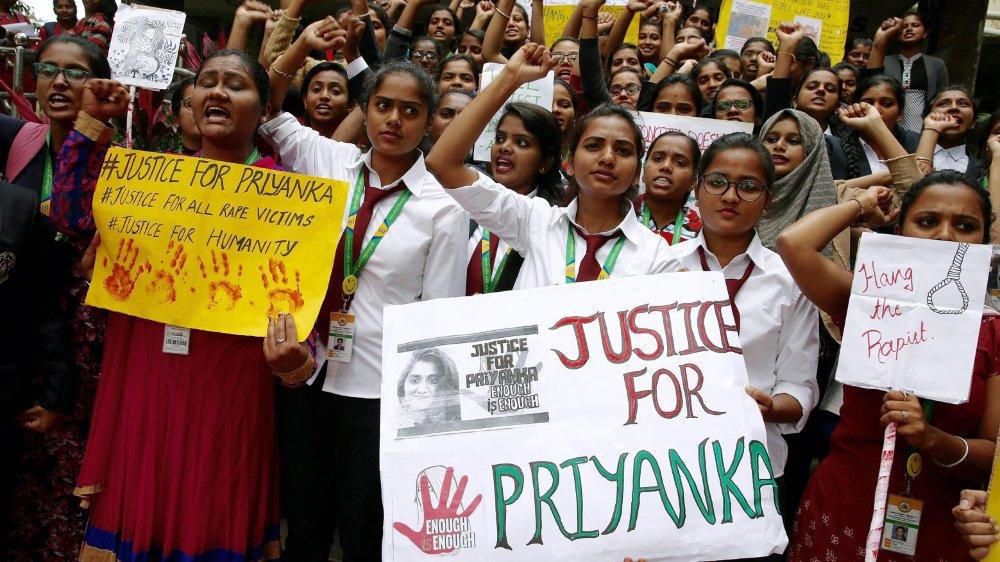 Le viol et le meurtre d'une jeune vétérinaire, le 27 novembre, bouleversent l'Inde, tant les circonstances sont cruelles et l'apathie de la police incompréhensible...