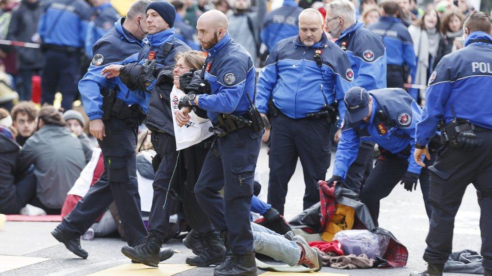 La police a interpellé 90 activistes durant l'évacuation.