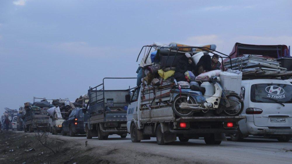 Des milliers de personnes fuient la province d'Idleb.