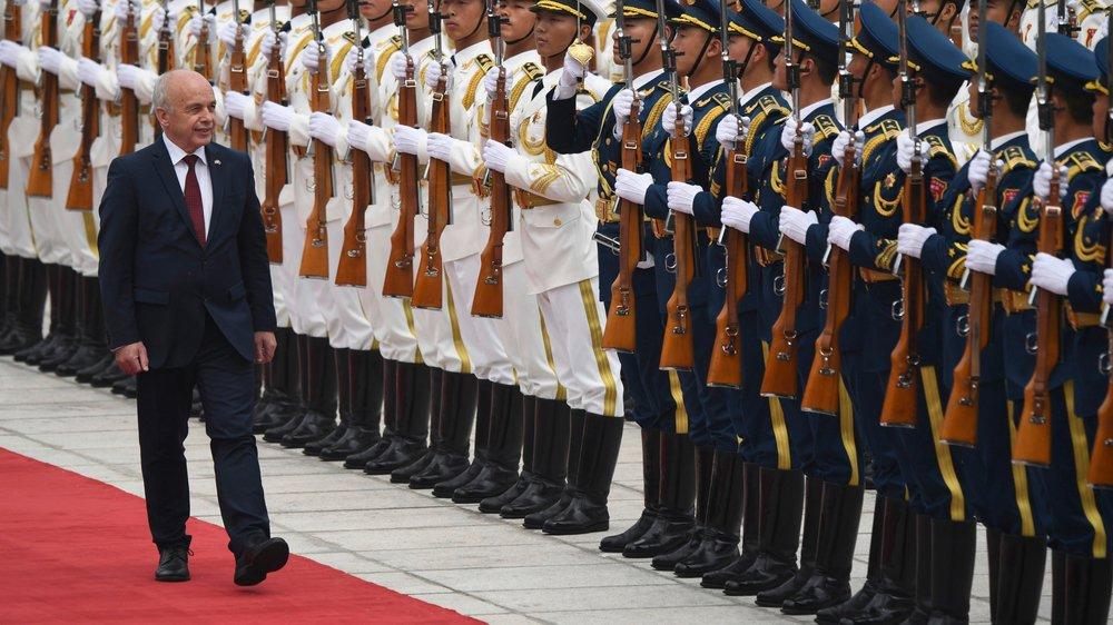 Avril2019 à Pékin: l'UDC Ueli Maurer inspecte les soldats chinois de la garde d'honneur, parmi les derniers vestiges du communisme mondial.