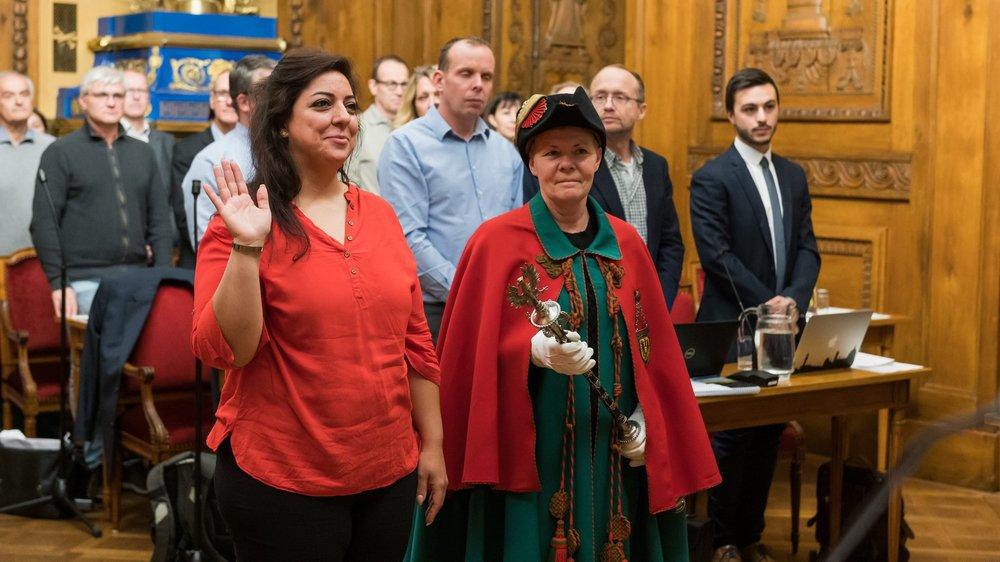 Une nouvelle conseillère générale socialiste, Sahar Ghaleh, a prêté serment lundi soir en remplacement de Nando Luginbuhl.
