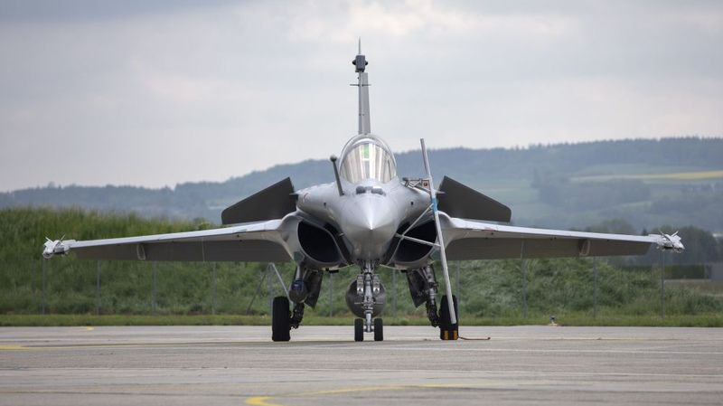 L'armée devrait pouvoir acquérir un avion de combat – ici un Rafale. A moins que le peuple ne le refuse l'an prochain.