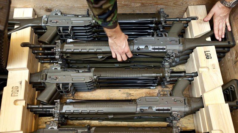 81 fusils d'assaut sont concernés et pour le reste des pistolets, en particulier le pistolet 75.