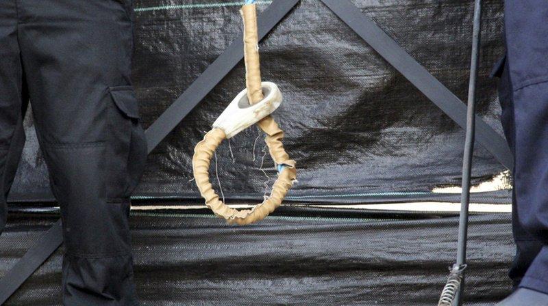 Les 27 personnes ont été condamnées à mort par pendaison.