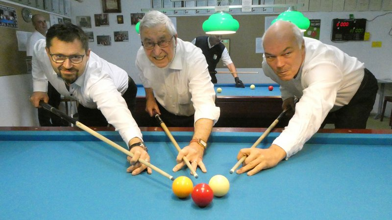 Jean-Yves Drevet, Alfred Zehr et Felix Wasser (de gauche à droite) sont champions de Suisse de LNB.