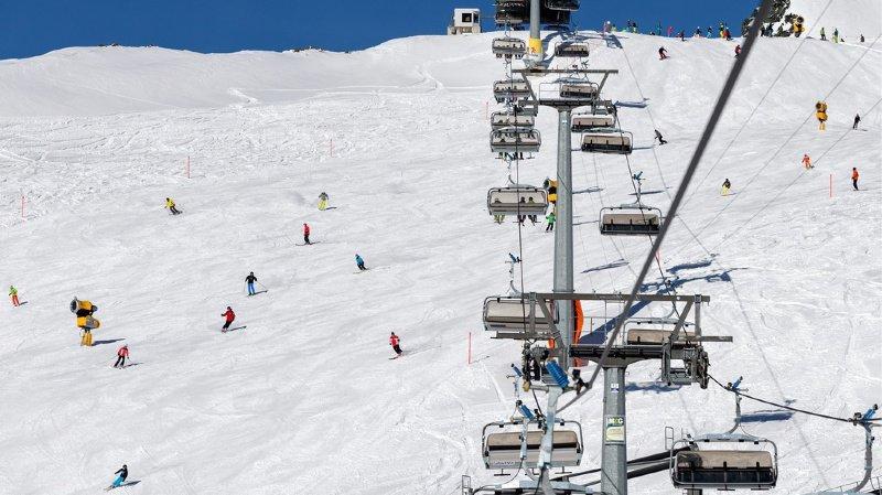 Ski alpin: des slaloms parallèles de coupe du monde auront lieu à Davos en 2021