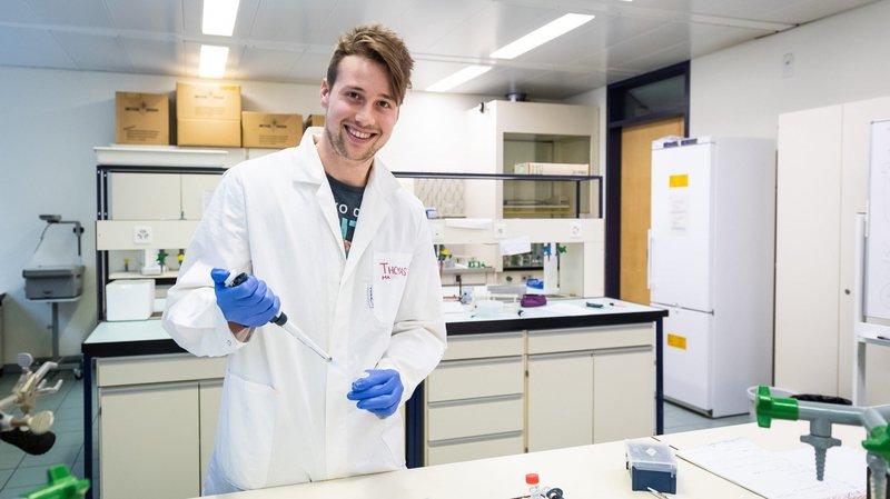 HCC: le défenseur Thomas Hofmann aime la science, l'attaquant Samuel Grezet s'implique dans l'entreprise familiale