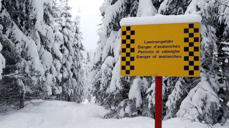 Obwald: un snowboardeur décède après avoir été pris dans une avalanche à Engelberg