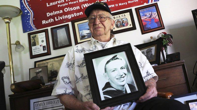 Les cendres d'un des derniers rescapés de Pearl Harbor immergées