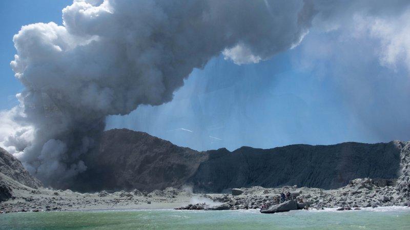 Eruption en Nouvelle-Zélande: le volcan est encore trop dangereux pour récupérer les corps