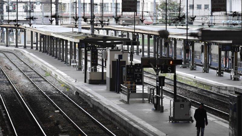 Le trafic ferroviaire devrait cependant s'améliorer pour le week-end à venir, avec six TGV sur dix.