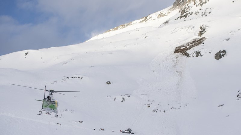 L'avalanche est descendue jeudi sur une piste de ski de Andermatt.