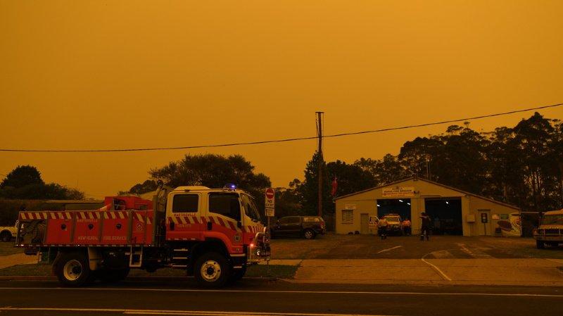 Feux en Australie: les militaires font du porte-à-porte pour inciter les habitants à évacuer