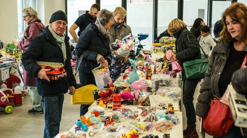 Cadeaux d'occasion, la fin d'un tabou? Reportage dans le canton de Neuchâtel