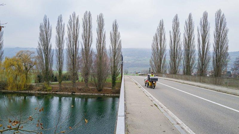 Le Landeron: les cyclistes sont-ils en danger sur le pont de Saint-Jean?