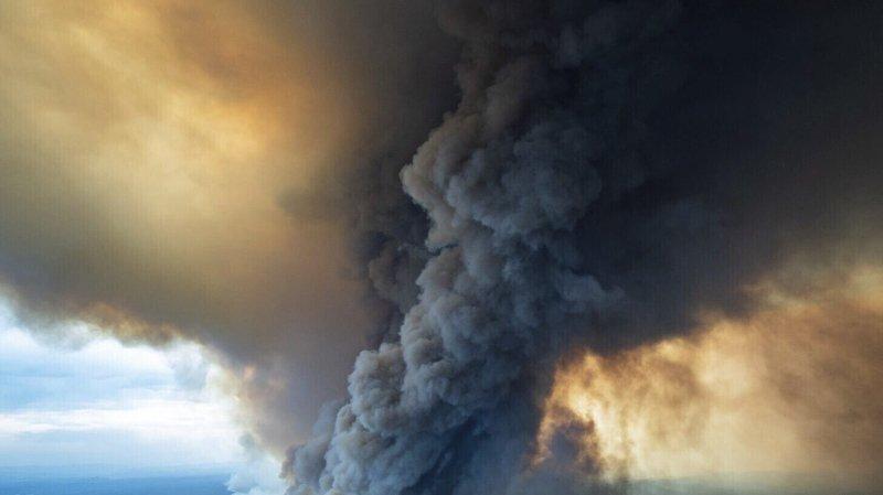 Incendies: évacuations forcées en Australie
